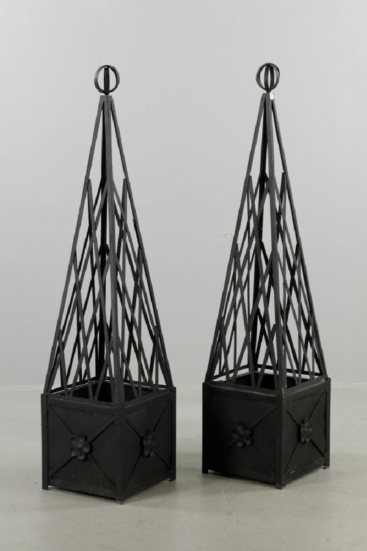 Pr of Iron Topiary, Black, Small Size