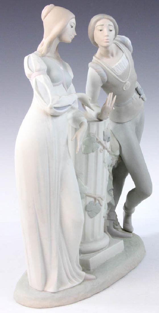 Large Lladro Figurine of Couple - 2