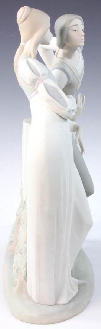 Large Lladro Figurine of Couple - 3