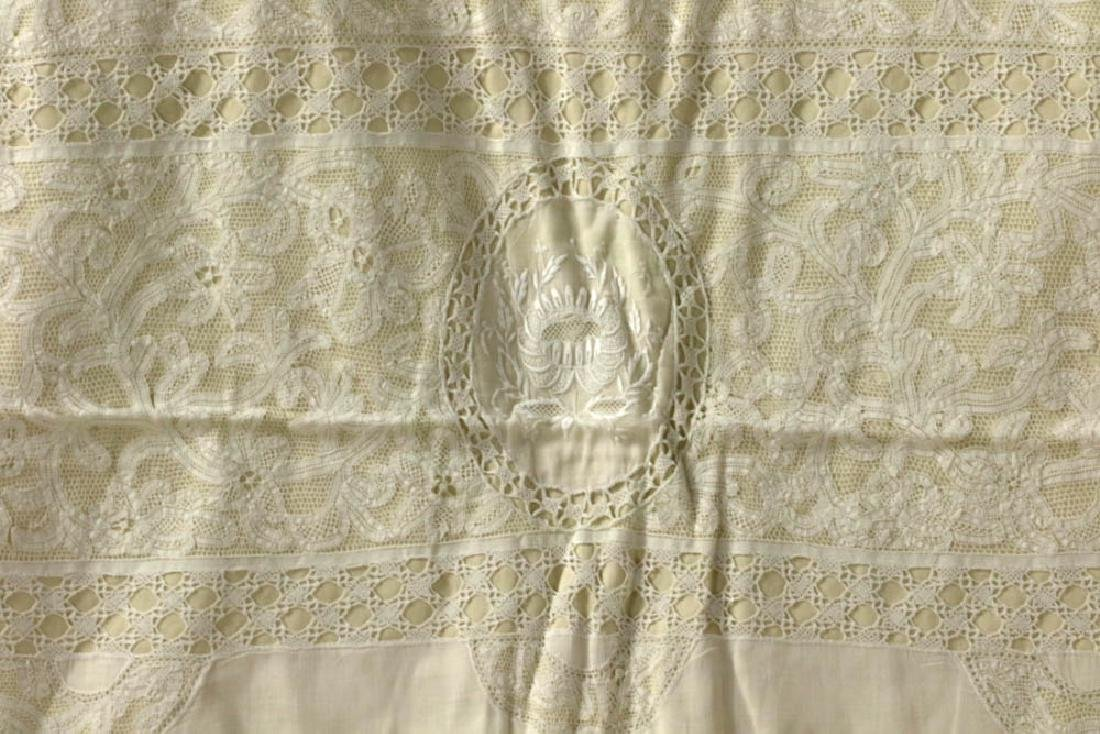 Antique Lace Full Size Bedspread - 3