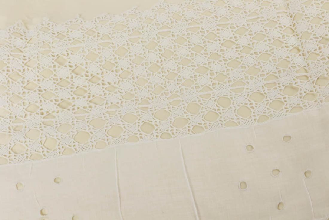 Antique Lace Full Size Bedspread - 5