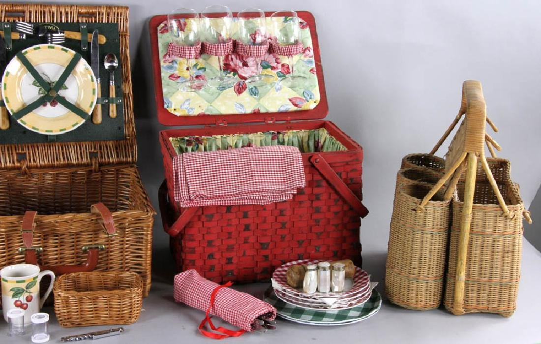 Picnic Basket and Trays - 3