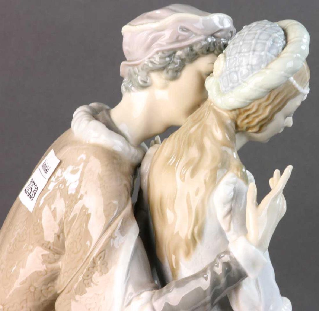 Large Lladro Figure of Courting Couple - 6