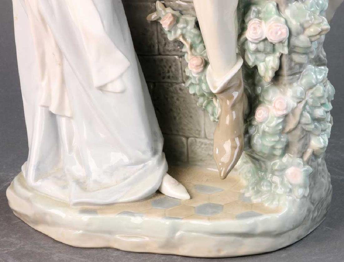 Large Lladro Figure of Courting Couple - 8
