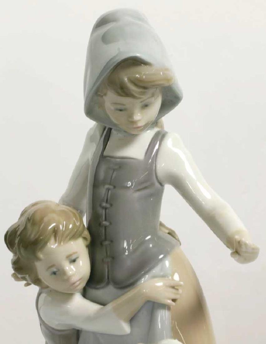 Two Lladro Figures Children and Geisha - 5