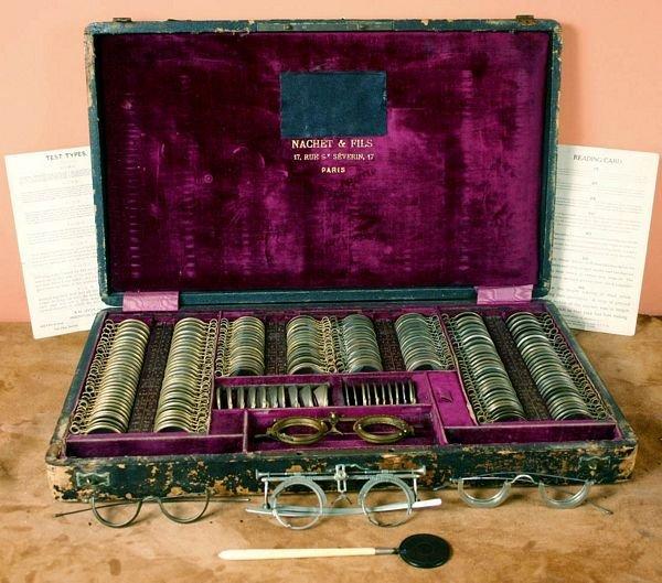 1005: C.1890 Optometrist Set, Nachet & Fils, Paris