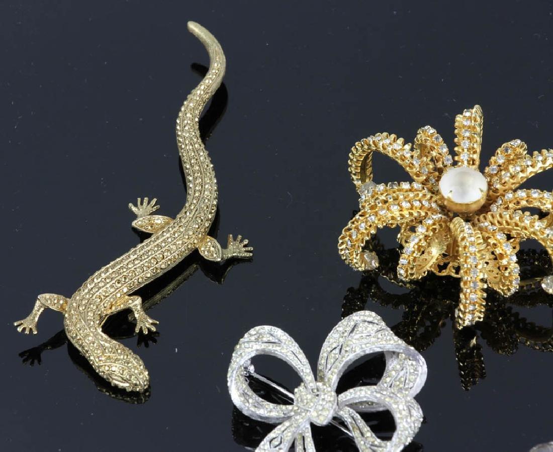 Ten Pieces of Costume Jewelry - 7