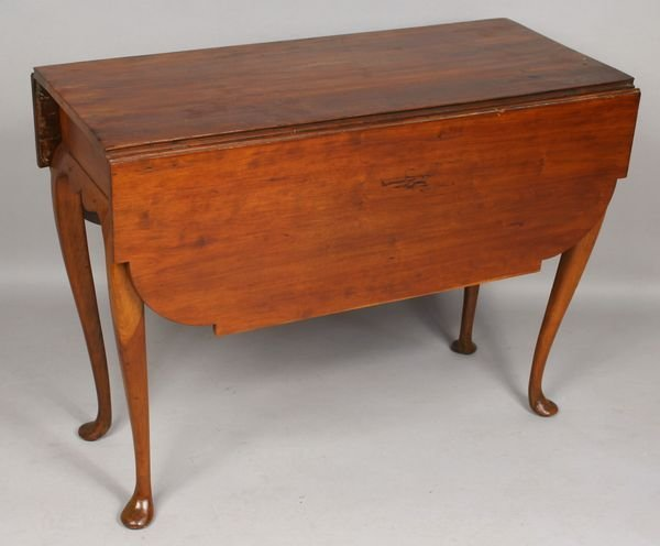 5005: 18th C. American Queen Anne Drop-Leaf Table