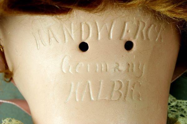 5304: C1935 Heinrich Handwerk Bisque Head Doll, #109 - 3
