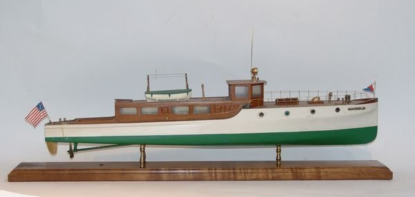 1004: Fine Model of Yacht Magnolia by Basset Lowke