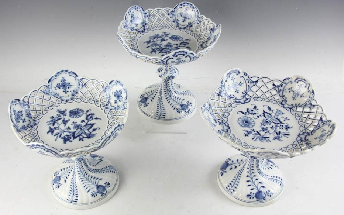 Three Meissen Blue Onion Compotes - 2