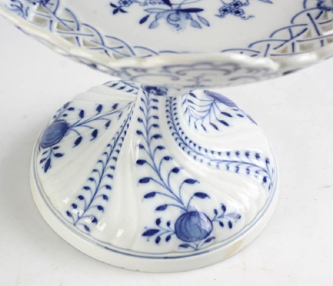 Three Meissen Blue Onion Compotes - 3