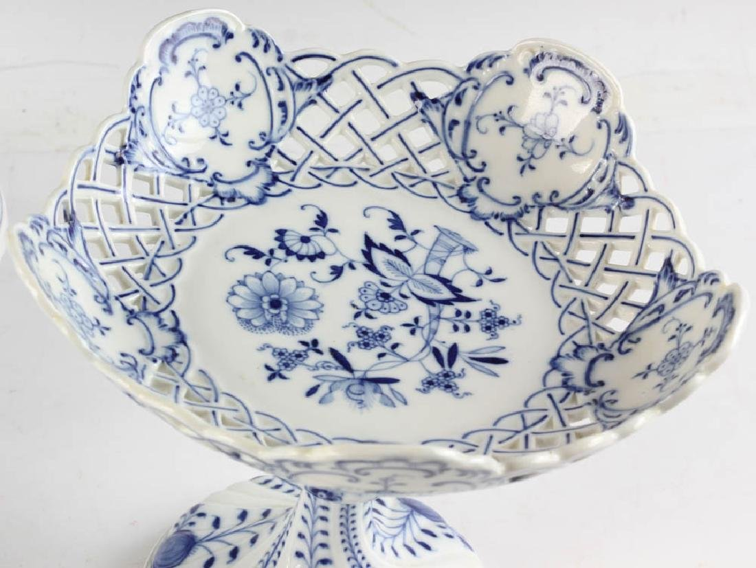 Three Meissen Blue Onion Compotes - 4