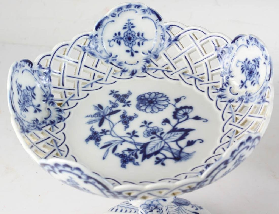 Three Meissen Blue Onion Compotes - 5