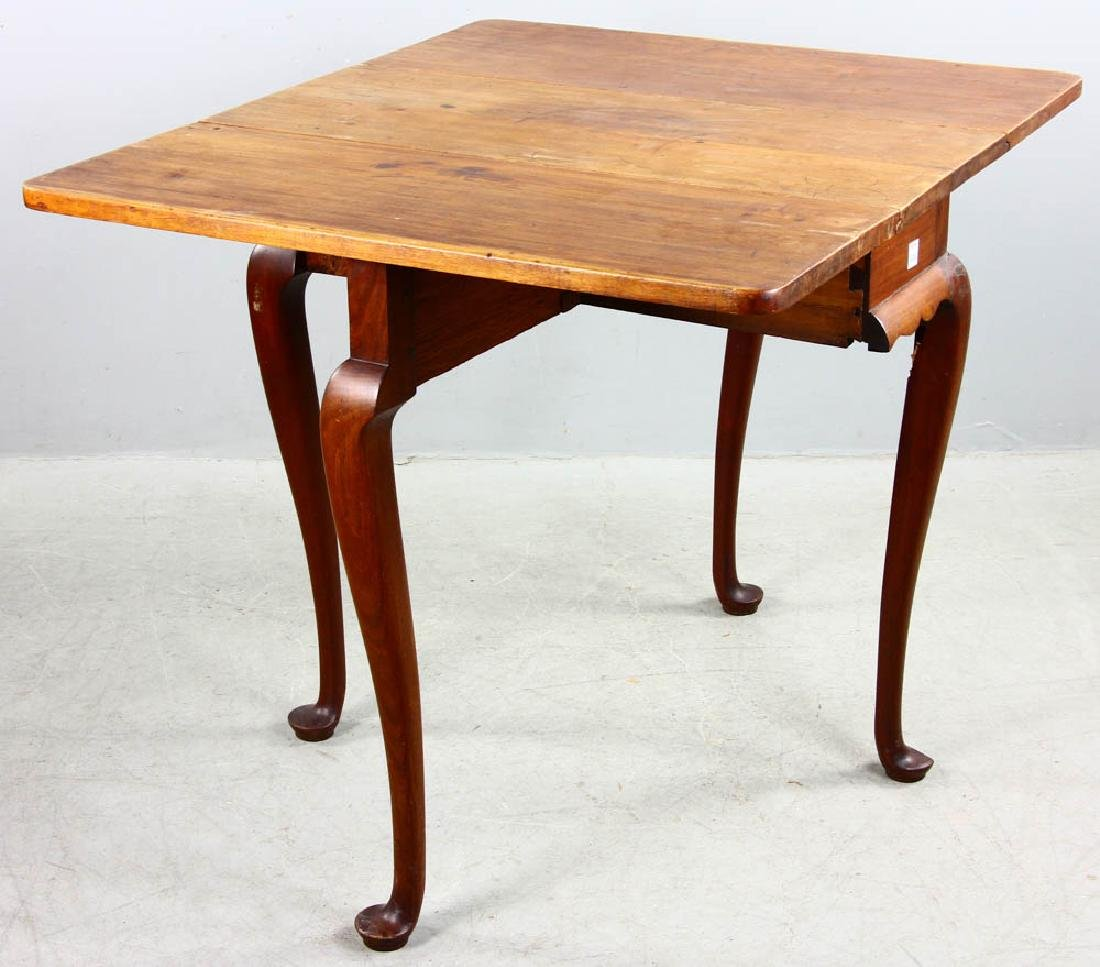 Early 18th C Queen Anne Drop Leaf Table