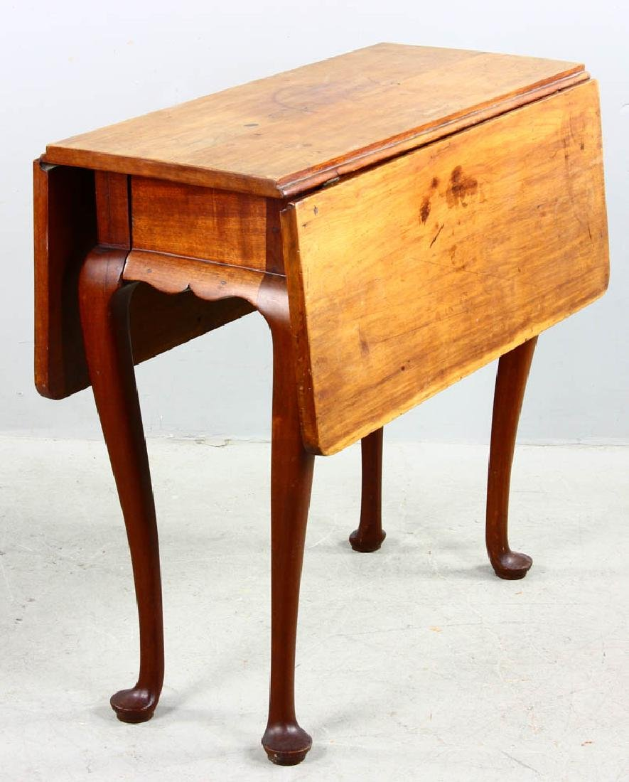 Early 18th C Queen Anne Drop Leaf Table - 4