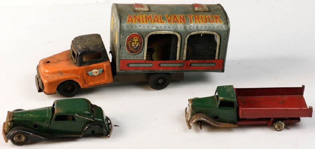 Lot of Assorted Lionel Tin Trains - 2