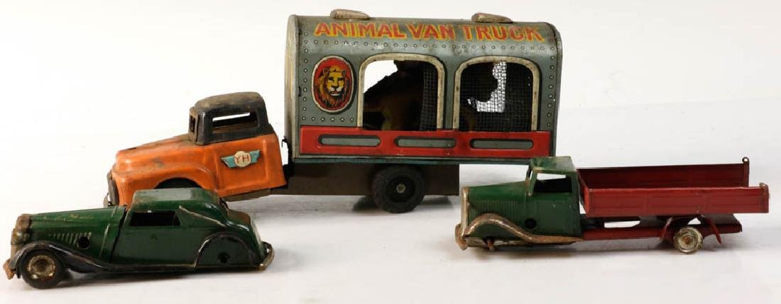 Lot of Assorted Lionel Tin Trains - 3