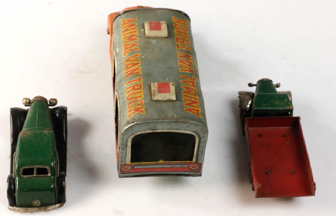 Lot of Assorted Lionel Tin Trains - 5