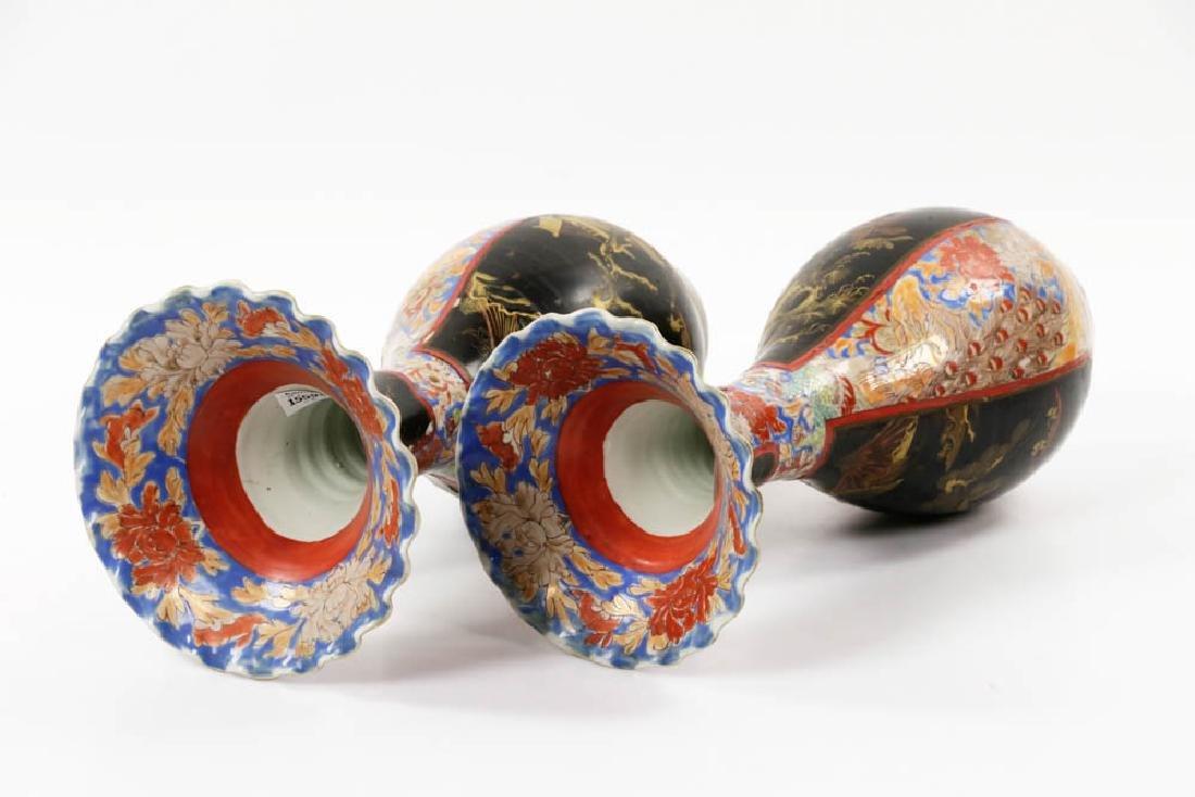 Pr of Meiji Period Japanese Imari Vases - 5
