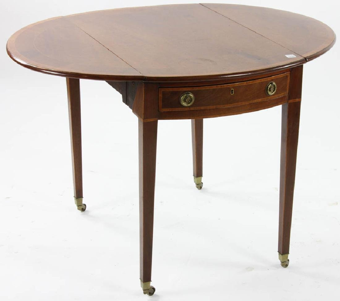 George III Period Oval Pembroke Table - 3