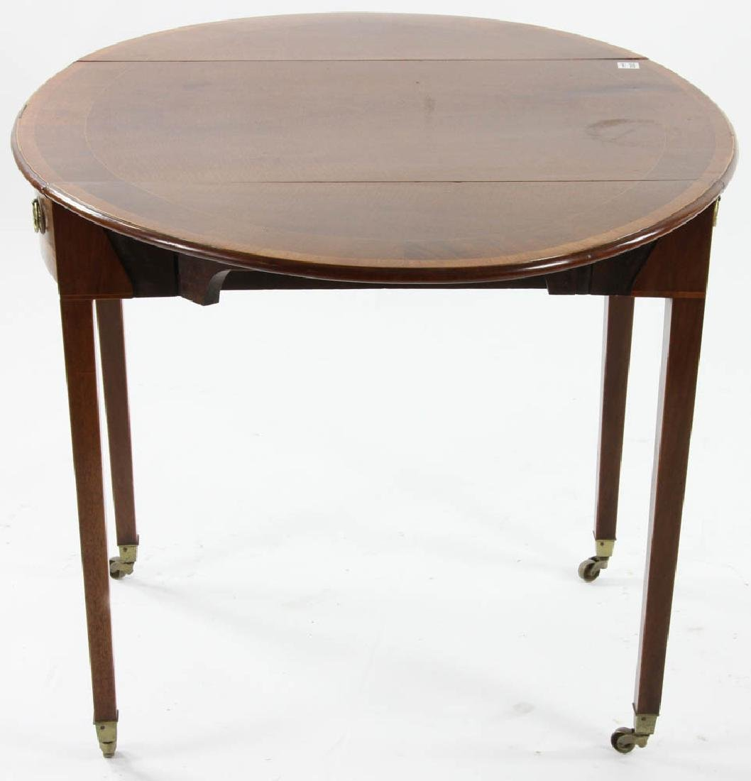 George III Period Oval Pembroke Table - 4