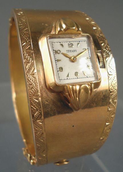 16: Tiffany & Co. Wristwatch in 14KT Rose Gold