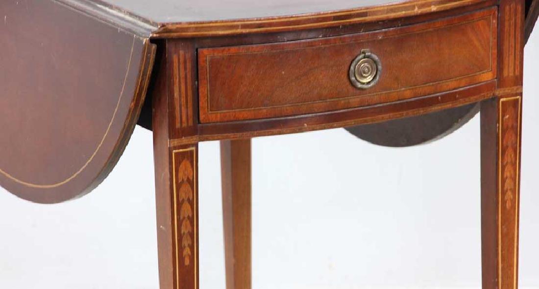 Hepplewhite-style Mahogany Pembroke Table - 4