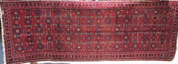 "1015: Fine Persian Serraband Rug, 10' x 3' 9"""