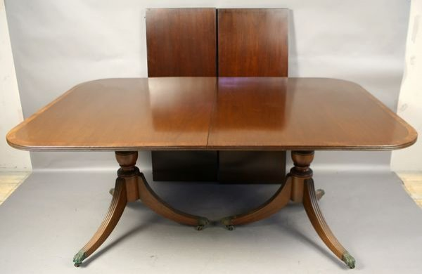 4006: Early 20th C. Dbl-Pedestal Mahogany Dining Table