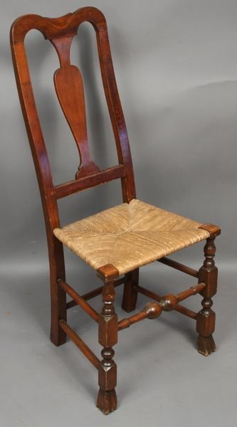 1005: C1770 Queen Anne Spoon Back Side Chair