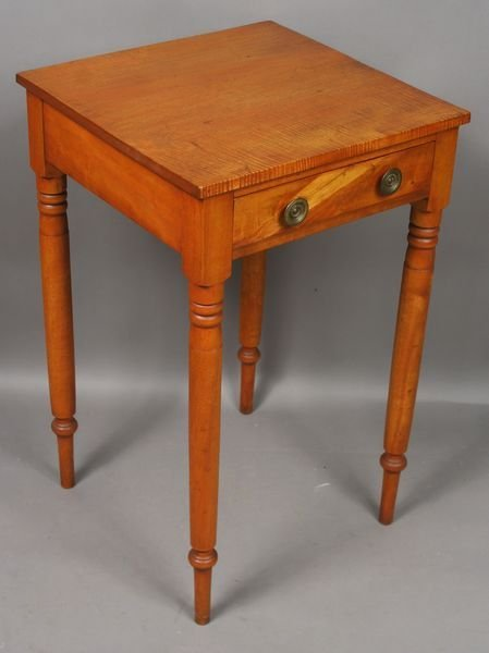 22: C1800 American Curly Maple 1-Drawer Stand