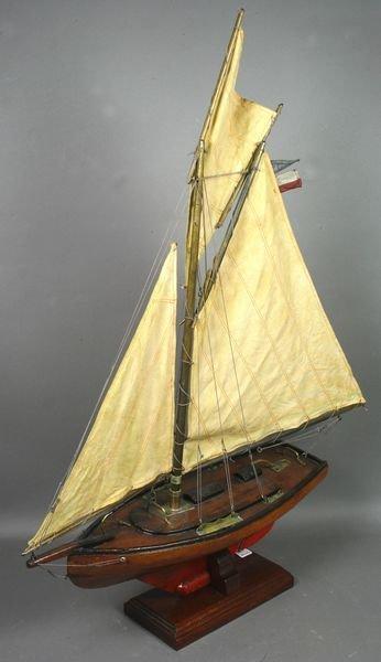 3008: Vintage Pond Yacht Model of Sloop Seahawk