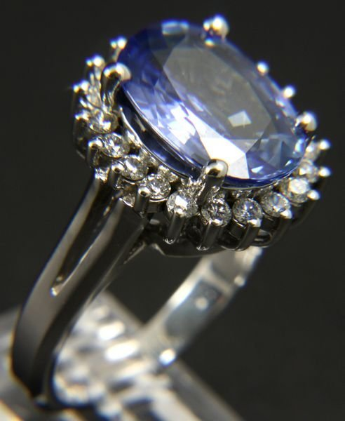 125A: 14k White Gold Blue Sapphire & Diamond Ring