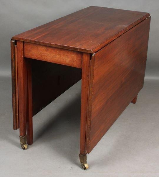 17: Early 19th C. Federal Mahogany Drop-leaf Table