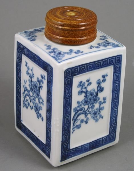 3002: Chai Ching Chinese Porcelain Tea Caddy