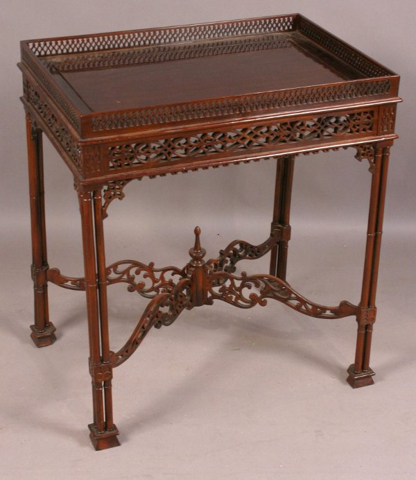 10: 20TH CENTURY CHINESE CHIPPENDALE TEA TABLE