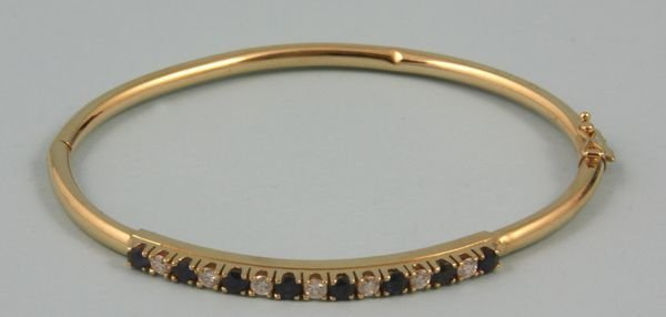 5019: 14k yellow gold, diamond, and sapphire bracelet