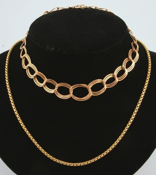 8004: Two gold necklaces
