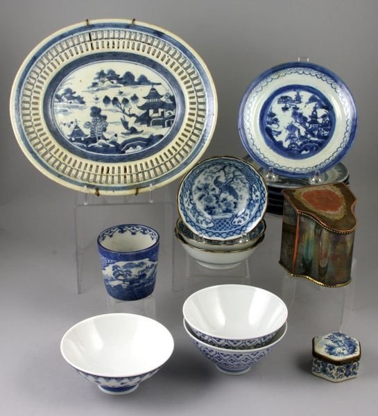 6: Sixteen pieces of Chinese and Japanese porcelain