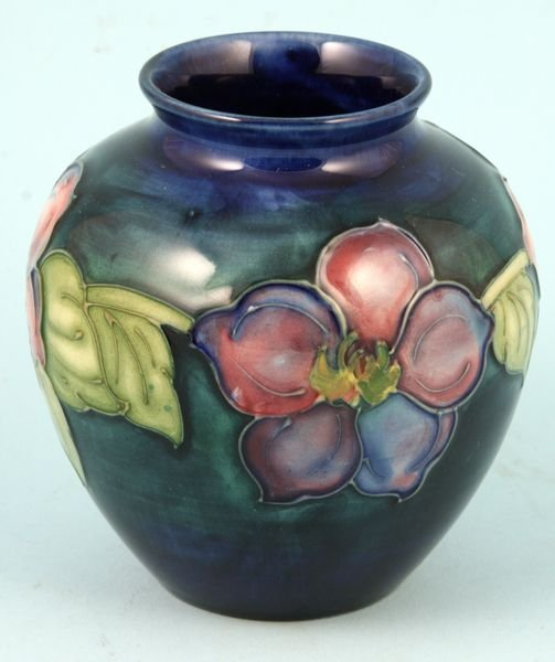 4007: Mid 20th Century Moorecraft Vase