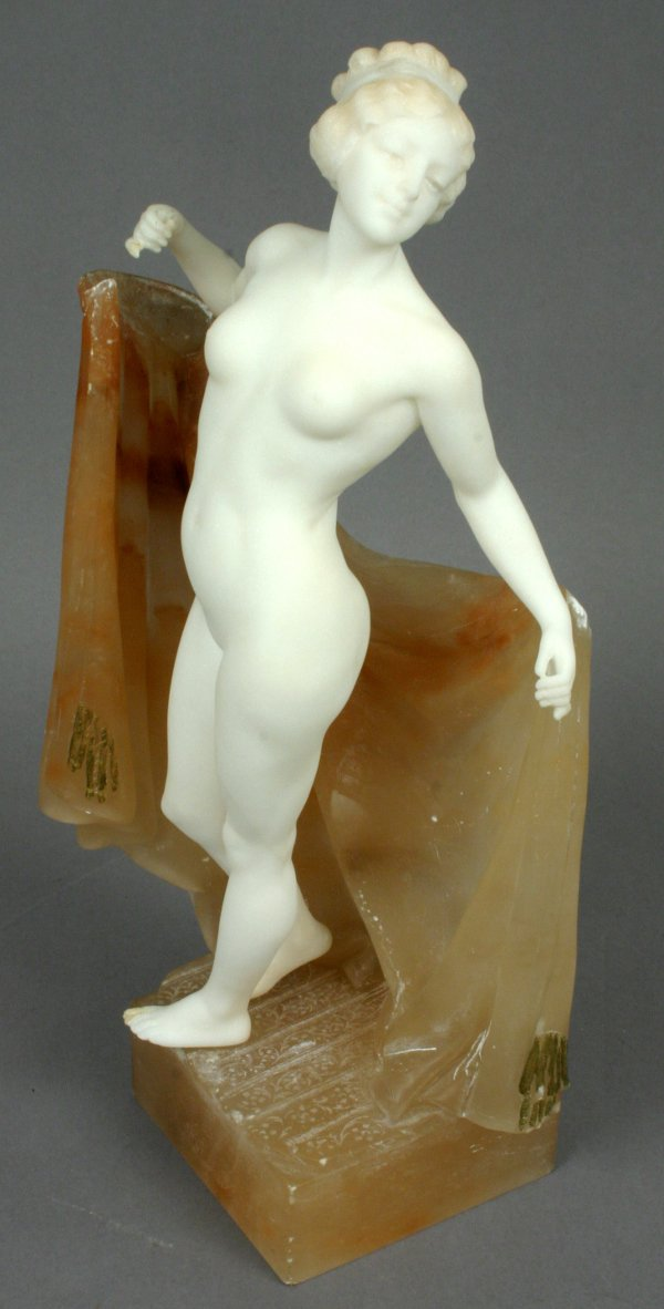 13: CIRCA 1920 CLASSICAL NUDE IN MARBLE
