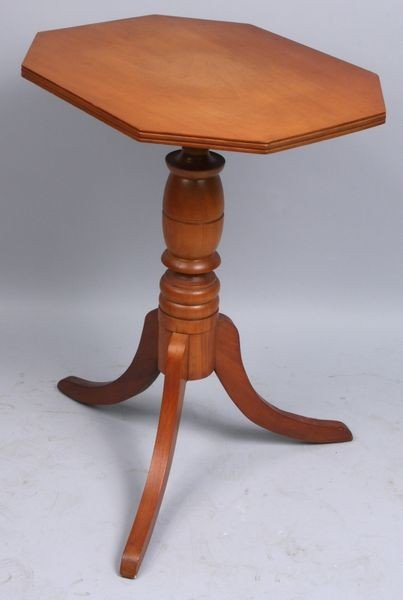 9022: 19th C. Hex-Top Stand