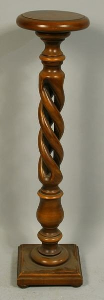 1022: Late 19th C. Rope Turned Pedestal