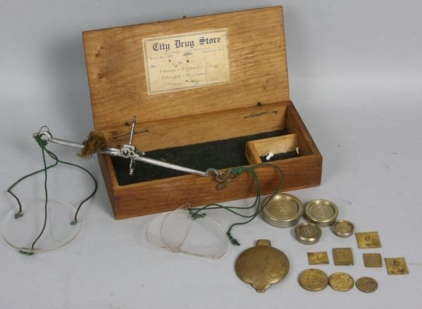 2006: 19th C. Gold Scale