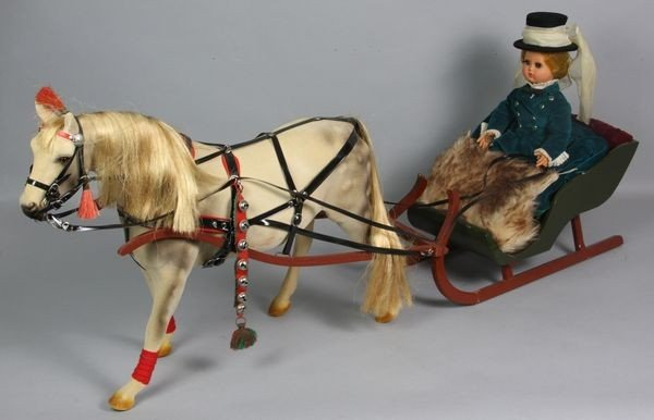 8018: Horse with Figure in Sleigh