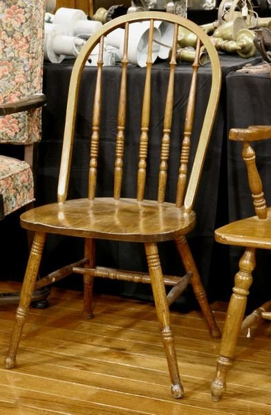 1005: Spindle Back Dining Chair