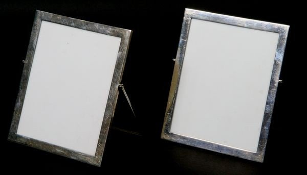 2003: Pair of English Silver Easel Frames