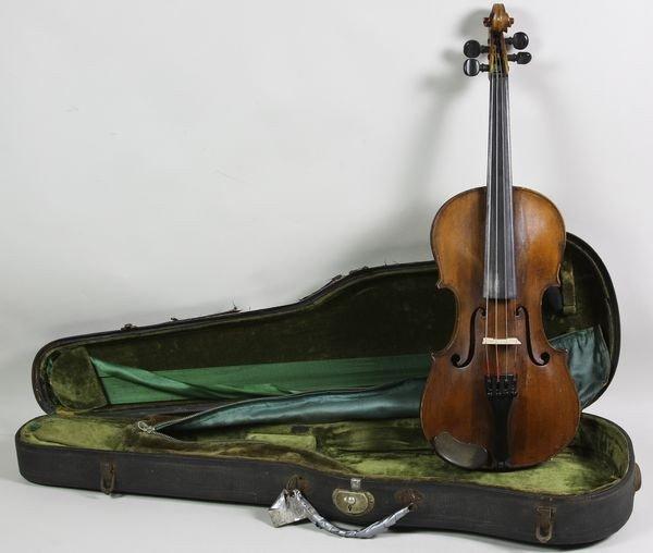 6003: Circa 1780 Violin