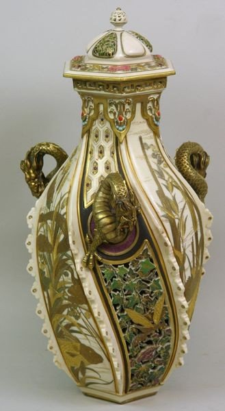 6005: Monumental Royal Worcester Vase